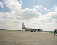 September 1997. Vliegtuig Air Memphis op de luchthaven van Deurne.