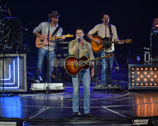 SUNRISE FL - NOVEMBER 17: Easton Corbin performs at The BB&T Center on November 17, 2016 in Sunrise, Florida. Credit: mpi04/MediaPunch