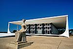 Edifício do Palácio da Justiça. Supremo Tribunal Federal. Brasília. 2001. Foto de Juan Pratiginestós.