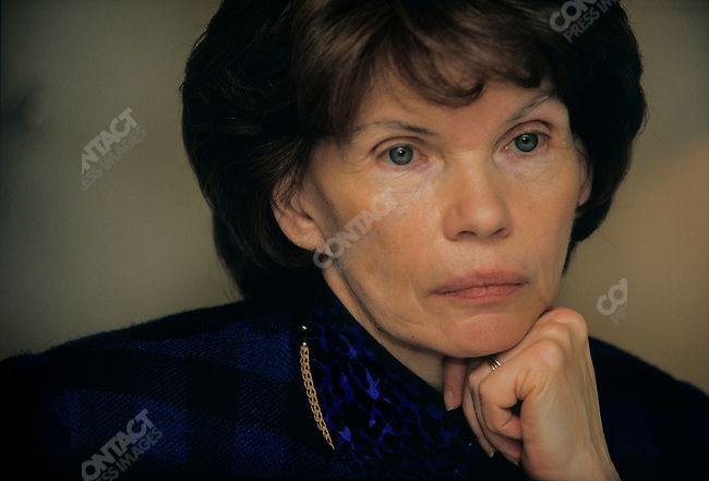 """Danielle Mitterrand President of """"France Libertes"""" during a meeting in New York on March 1987"""