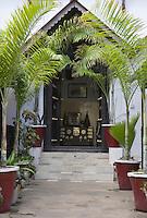 Afrique/Afrique de l'Est/Tanzanie/Zanzibar/Ile Unguja/Stone Town: détail du jardin et de l'entrée de l'Hotel International
