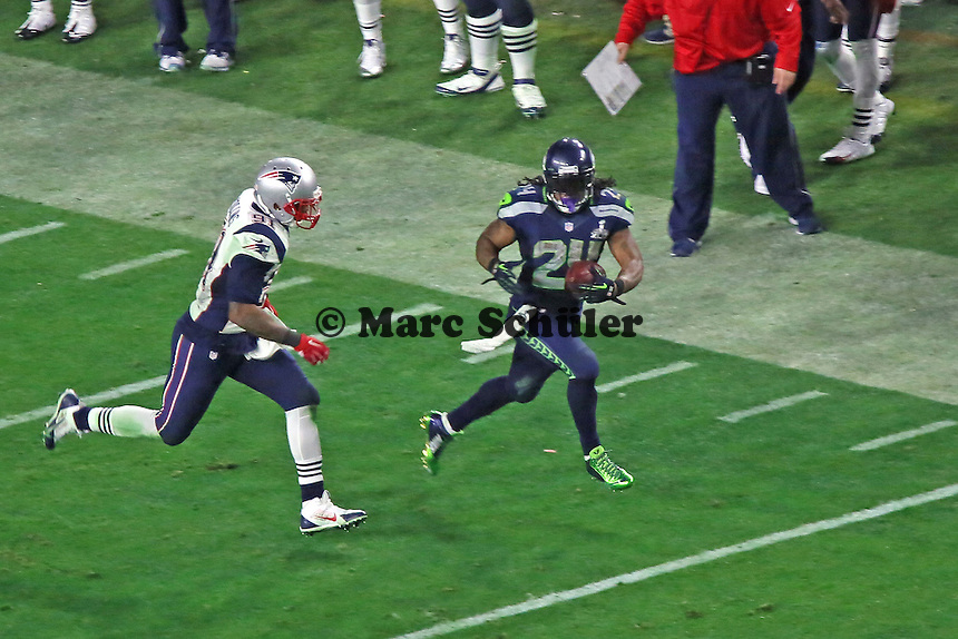 RB Marshawn Lynch (Seahawks) gegen LB Jamie Collins (Patriots) - Super Bowl XLIX, Seattle Seahawks vs. New England Patriots, University of Phoenix Stadium, Phoenix