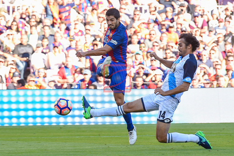 League Santander 2016/2017. Game: 8.<br /> FC Barcelona vs Deportivo: 4-0.<br /> Luis Suarez vs Arribas.