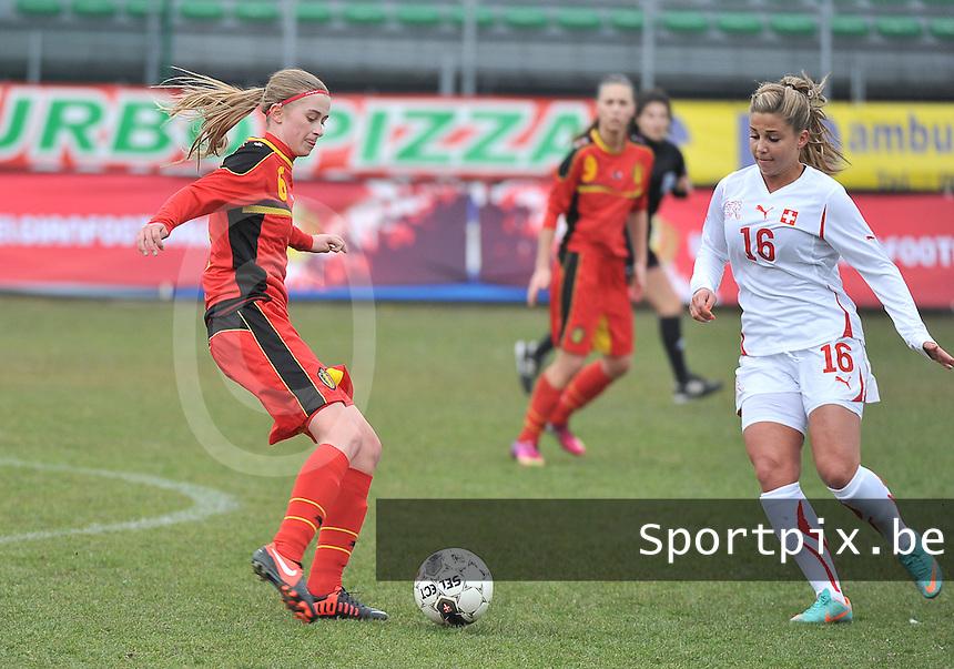 Belgium U19 - Switzerland U19 : Julie Biesmans en Anja Thurig (16).foto DAVID CATRY / Nikonpro.be