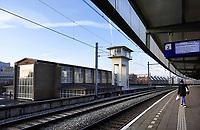Nederland - Amsterdam -  November 2019. Trein bij station Amsterdam Muiderpoort. Het station is een ontwerp van H.G.J. Schelling en Johannes Leupen.  Foto Berlinda van Dam / Hollandse Hoogte