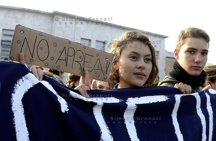 Roma, 24 Novembre 2012.Manifestazione contro i tagli alla scuola pubblica e il ddl 953.