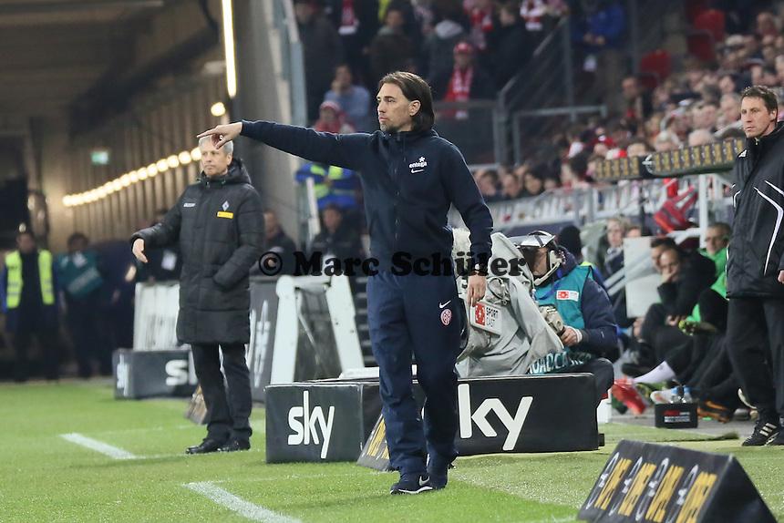 Trainer Lucien Favre (Borussia)  und Martin Schmidt (Mainz)  - 1. FSV Mainz 05 vs. Borussia Moenchengladbach, Coface Arena