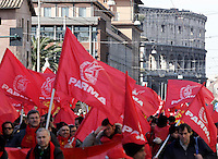 Manifestazione nazionale dei metalmeccanici e dei lavoratori del pubblico impiego indetta dalla Fp e dalla Fiom Cgil a Roma, 13 febbraio 2009..National demonstration promoted by public workers and metalworkers' branches of the Cgil trade union in Rome, 13 february 2009..UPDATE IMAGES PRESS/Riccardo De Luca