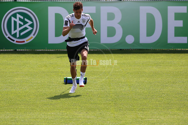 beim Training der DFB Nationalmannschaft im Trainingslager Eppan in S&uuml;dtirol im Rahmen der Vorbereitung f&uuml;r die WM in Russland.<br /> <br />  / 2652018<br /> <br /> ***Training session of the German national team at Sportanlage Rungg at the Southern Tyrol Training Camp, Eppan, Italy - 26 May 2018***