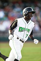 Dayton Dragons left fielder Zack Shields (7) during a game against the South Bend Cubs on May 11, 2016 at Fifth Third Field in Dayton, Ohio.  South Bend defeated Dayton 2-0.  (Mike Janes/Four Seam Images)
