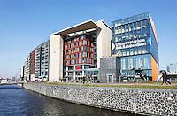 Nederland Amsterdam 2016 02 27. Bebouwing op het Oosterdok. Rechts het Conservatorium. Daarnaast de Openbare Bibliotheek . Foto Berlinda van Dam / Hollandse Hoogte