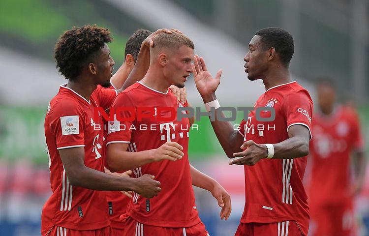 27.06.2020, Fussball: nph00001 1. Bundesliga 2019/2020, 34. Spieltag, VfL Wolfsburg - FC Bayern Muenchen, in der Volkswagen-Arena Wolfsburg. Jubel FC Bayern MŸnchen zum Tor zum 0:2, (L-R) Kingsley Coman (Bayern MŸnchen), TorschŸtze Michael Cuisance (Bayern MŸnchen) und David Alaba (Bayern MŸnchen)<br /><br />Foto: Bernd Feil/M.i.S./ /Pool/nordphoto<br /><br />Nur fŸr journalistische Zwecke! Only for editorial use! <br /><br />GemŠ§ den Vorgaben der DFL Deutsche Fussball: nph00001 Liga ist es untersagt, in dem Stadion und/oder vom Spiel angefertigte Fotoaufnahmen in Form von Sequenzbildern und/oder videoŠhnlichen Fotostrecken zu verwerten bzw. verwerten zu lassen. DFL regulations prohibit any use of photographs as image sequences and/or quasi-video.    <br /><br />National and international NewsAgencies OUT.
