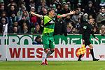 10.02.2019, Weserstadion, Bremen, GER, 1.FBL, Werder Bremen vs FC Augsburg<br /><br />DFL REGULATIONS PROHIBIT ANY USE OF PHOTOGRAPHS AS IMAGE SEQUENCES AND/OR QUASI-VIDEO.<br /><br />im Bild / picture shows<br />Max Kruse (Werder Bremen #10) Kapitän / mit Kapitänsbinde und Trauerflor beschwert sich / unzufrieden mit Schiedsrichterentscheidung, <br /><br />Foto © nordphoto / Ewert