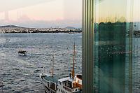 TURKEY Istanbul, view to Bosporus and Asia /  TUERKEI Istanbul,Bosporus und Blick zur asiatischen Seite