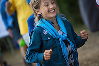 20140805 Vilda-l&auml;ger p&aring; Kragen&auml;s. Foto f&ouml;r Scoutshop.se<br /> scout, hoppar, scouter i bakgrunden, skog, gr&auml;s, scoutskjorta, scouthalsduk