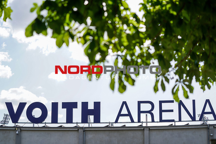 Feature Voith Arena Aussenansicht Schriftzug<br /> <br /> <br /> Sport: nphgm001: Fussball: 1. Bundesliga: Saison 19/20: Relegation 02; 1.FC Heidenheim vs SV Werder Bremen - 06.07.2020<br /> <br /> Foto: gumzmedia/nordphoto/POOL <br /> <br /> DFL regulations prohibit any use of photographs as image sequences and/or quasi-video.<br /> EDITORIAL USE ONLY<br /> National and international News-Agencies OUT.