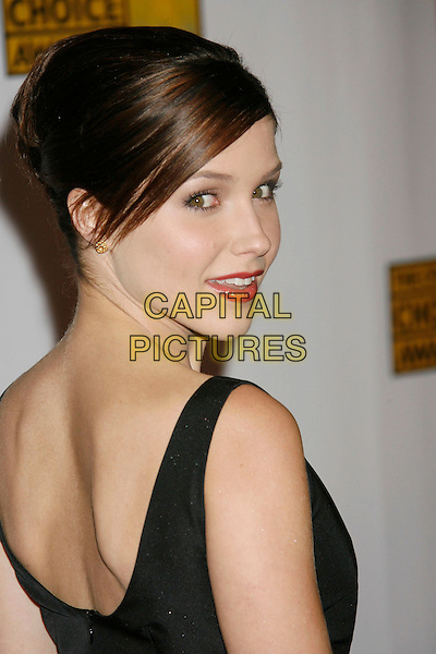 SOPHIA BUSH.12th Annual Critics' Choice Awards held at the Santa Monica Civic Center, Santa Monica, California, LA, USA, 12 January 2007..portrait headshot looking back behind over shoulder.CAP/ADM/RE.©Russ Elliot/AdMedia/Capital Pictures.
