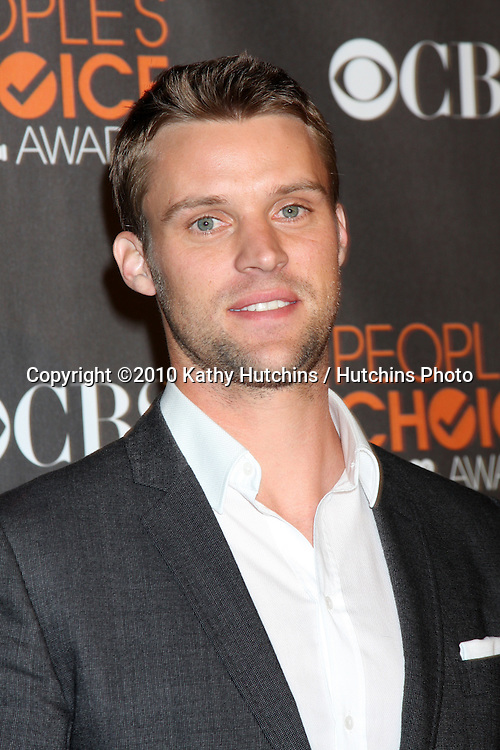 Jesse Spencer.arriving  at the 2010 People's Choice Awards.Nokia Theater.January 6, 2010.©2010 Kathy Hutchins / Hutchins Photo.