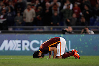 Calcio, Serie A: Roma vs Empoli. Roma, stadio Olimpico, 17 ottobre 2017.<br /> Roma&rsquo;s Mohamed Salah celebrates after scoring during the Italian Serie A football match between Roma and Empoli at Rome's Olympic stadium, 17 October 2015.<br /> UPDATE IMAGES PRESS/Isabella Bonotto