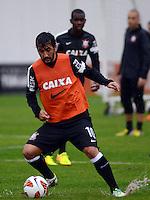 SÃO PAULO,SP, 01 julho 2013 -  Douglas   durante treino do Corinthians no CT Joaquim Grava na zona leste de Sao Paulo, onde o time se prepara  para para enfrenta o Sao Paulo pelas finais da Recopa . FOTO ALAN MORICI - BRAZIL FOTO PRESS