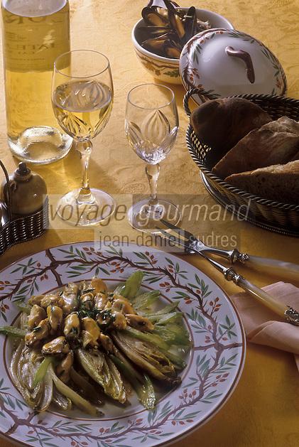 Europe/Belgique/ Bruxelles: Moules au chicon et chiconettes