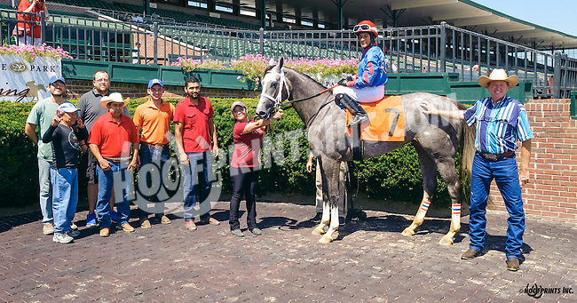Fashion Editor winning at Delaware Park on 8/11/16
