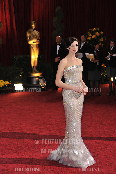 Anne Hathaway at the 81st Academy Awards at the Kodak Theatre, Hollywood..February 22, 2009  Los Angeles, CA.Picture: Paul Smith / Featureflash