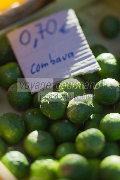 France, île de la Réunion, Saint Paul, marché hebdomadaire de Saint Paul,  Combava  //  France, Ile de la Reunion (French overseas department), weekly open market of Saint Paul, Kaffir lime