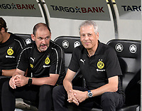 20.08.2018, Football DFB Pokal 2018/2019, 1. round, SpVgg Greuther Fuerth - Borussia Dortmund, Sportpark Ronhof in Fuerth. Trainer Lucien Favre (re, Dortmund). li: Co-Trainer Manfred Stefes (Dortmund) <br />