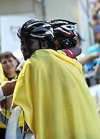 OOSTENDE – BELGICA – 23-08-2013: Johana Viveros, patinadora de Colombia celebra la medalla de oro durante la prueba de los 10000 metros combinada juvenil damas en el patinodromo Mundialista Track en Oostende,  Belgica, agosto 23 de 2013. (Foto: VizzorImage / Luis Ramirez / Staff).  Johana Viveros, Colombia skater celebrates with the gold medal  during testing of the 10000 meters Combinate young ladies  in the Mundialist Track in Oostende, Belgium, August 23, 2013. (Photo: VizzorImage / Luis Ramirez / Staff).