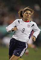 06 November,  2004.   USWNT forward Mia Hamm (9) looks for the ball at  Lincoln Financial Field in Philadelphia, Pa.
