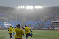 SANTA MARTA – COLOMBIA, 29-09-2019: Fuerte lluvia que hizo suspender el partido por la fecha 13 de la Liga Águila II 2019 entre Unión Magdalena y Atlético Junior jugado en el estadio Sierra Nevada de la ciudad de Santa Marta. / Hard rain avoid continue the match for the date 13 as part Aguila League II 2019 between Union Magdalena and Atletico Junior played at Sierra Nevada stadium in Santa Marta city. Photo: VizzorImage / Gustavo Pacheco / Cont