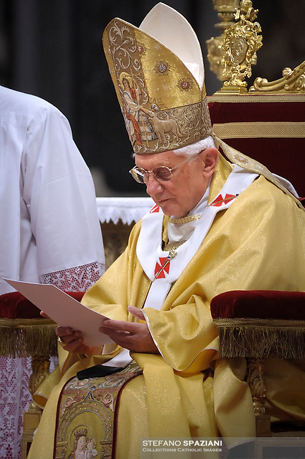 Pope Benedict XVI during the Eucharistic celebration with the new cardinals on November 21, 2010
