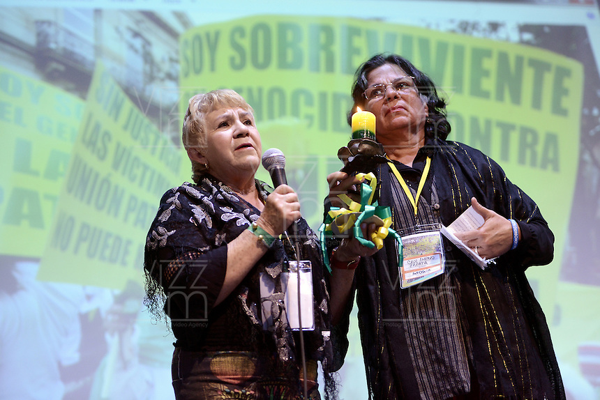 "BOGOTÁ -COLOMBIA. 11-10-2014. Presentación de la delegación de Antioquia durante la tercera jornada del Encuentro por la ""Dignidad de las Víctimas del Genocidio contra La UP"" realizado hoy, 11 de octuber de 2014, en la ciudad de Bogotá./ Performance of Antioquia delegation during the third day of the Meeting for the ""Dignity of Victims of Genocide against The UP"" took place today, October 10 2014, at Bogota city. Photo: Reiniciar /VizzorImage/ Gabriel Aponte<br />