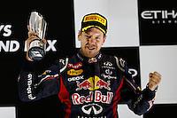 O piloto alemao Sebastian Vetel terceiro colocado no GP de Fórmula 1 de Abu Dhabi, no circuito de Yas Marina, nos Emirados Árabes, neste domingo (04).  (FOTO: PIXATHLON / BRAZIL PHOTO PRESS).