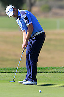 Marc Warren (SCO) takes his putt on the 9th green during Thursday's Round 1 of the 2016 Portugal Masters held at the Oceanico Victoria Golf Course, Vilamoura, Algarve, Portugal. 19th October 2016.<br /> Picture: Eoin Clarke | Golffile<br /> <br /> <br /> All photos usage must carry mandatory copyright credit (&copy; Golffile | Eoin Clarke)