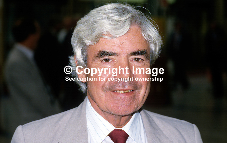 David Williams, general secretary, COHSE, trade union, 19870902DW..Copyright Image from Victor Patterson, 54 Dorchester Park, Belfast, UK, BT9 6RJ..Tel: +44 28 9066 1296.Mob: +44 7802 353836.Voicemail +44 20 8816 7153.Skype: victorpattersonbelfast.Email: victorpatterson@me.com.Email: victorpatterson@ireland.com (back-up)..IMPORTANT: If you wish to use this image or any other of my images please go to www.victorpatterson.com and click on the Terms & Conditions. Then contact me by email or phone with the reference number(s) of the image(s) concerned.