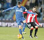 Getafe's Pedro Leon (l) and Athletic de Bilbao's Mikel Balenziaga during La Liga match. January 30,2016. (ALTERPHOTOS/Acero)
