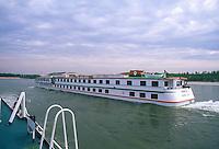 - tourist boat in navigation on the Po river....- battello turistico in navigazione sul fiume Po
