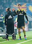 Stockholm 2014-04-16 Fotboll Allsvenskan Djurg&aring;rdens IF - AIK :  <br /> AIK:s Eero Markkanen ser glad ut n&auml;r han g&ouml;r high five med AIK:s assisterande tr&auml;nare Nebojsa Novakovic i samband med att han blir utbytt strax efter sitt 3-0 m&aring;l<br /> (Foto: Kenta J&ouml;nsson) Nyckelord:  Djurg&aring;rden DIF Tele2 Arena AIK jubel gl&auml;dje lycka glad happy