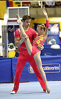 CALI – COLOMBIA – 29-07-2013: Dominic Smith y Alice Upcott de Gran Bretaña durante competencia Gimnasia Acrobática Parejas Mixtas Clasificación Dinámico en los IX Juegos Mundiales Cali, julio 29 de 2013. (Foto: VizzorImage / Luis Ramirez / Staff). Dominic Smith y Alice Upcott from Great Britain Acrobatic Gymnastics Mixed Pairs Dynamic Classification in the IX World Games Cali, July 29, 2013. (Photo: VizzorImage / Luis Ramirez / Staff).