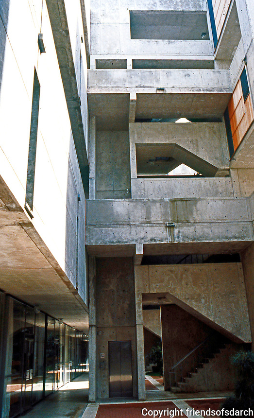Louis I. Kahn: Salk Institute, La Jolla. Elevation--north wing. Brutalist style. Photo 2004.