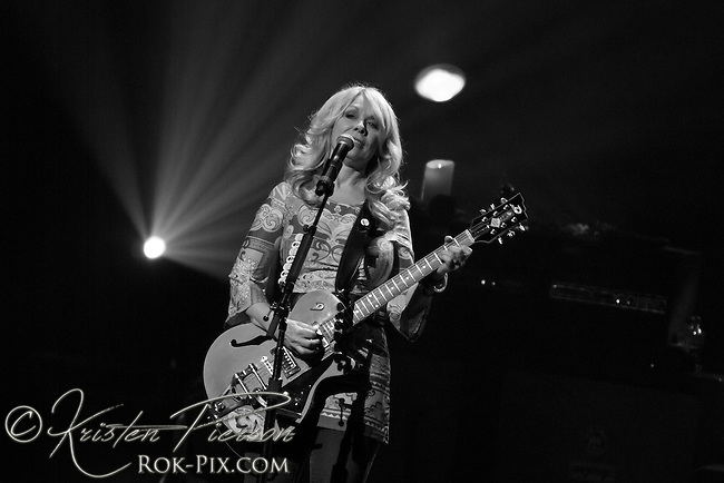 Heart perform at Foxwoods Resort Casino July 3, 2015.