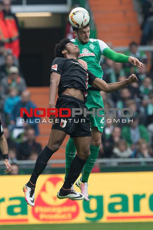 09.04.2016, Weser Stadion, Bremen, GER, 1.FBL. Werder Bremen vs FC Augbsurg, im Bild<br /> <br /> FLORIAN GRILLITSCH (WERDER BREMEN #27)<br /> FRANCISCO DA SILVA CAIUBY (FC AUGSBURG #30)<br /> <br /> Foto &copy; nordphoto / Kokenge