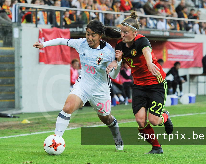 20170613 - LEUVEN ,  BELGIUM : Belgian Laura Deloose (R) and Japanese Ayumi Oya (L) pictured during the female soccer game between the Belgian Red Flames and Japan , a friendly game before the European Championship in The Netherlands 2017  , Tuesday 13 th Juin 2017 at Stadion Den Dreef  in Leuven , Belgium. PHOTO SPORTPIX.BE | DIRK VUYLSTEKE