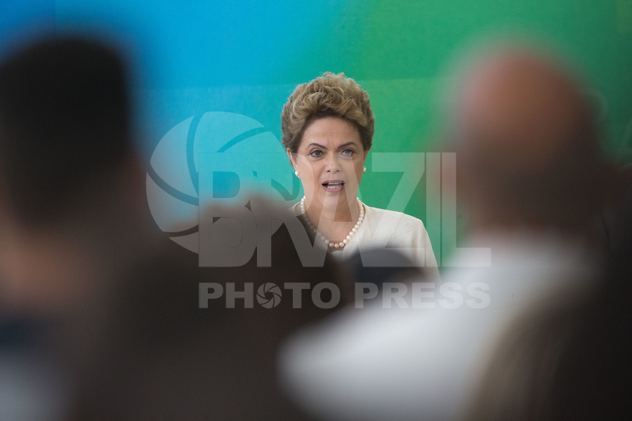 BRASILIA, DF, 19.11.2015 - DILMA-NEGROS-  A presidente Dilma Rousseff, durante a cerimônia comemorativa do Dia Nacional da Consciência Negra, no Palácio do Planalto, nesta quinta-feira, 19.(Foto:Ed Ferreira / Brazil Photo Press/Folhapress)