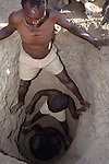 Gold mining on the plains of Northern Turkana
