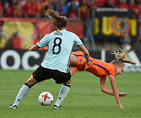 20170724 - TILBURG , NETHERLANDS : Belgian Lenie Onzia (L) and Dutch Jackie Groenen (R)  pictured during the female soccer game between Belgium and The Netherlands  , the thirth game in group A at the Women's Euro 2017 , European Championship in The Netherlands 2017 , Monday 24 th June 2017 at Stadion Koning Willem II  in Tilburg , The Netherlands PHOTO SPORTPIX.BE | DIRK VUYLSTEKE