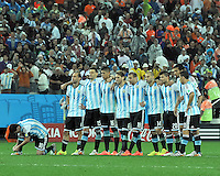 SAO PAULO - BRASIL -09-07-2014. Jugadores de Argentina (ARG) durante los cobros de tiro penal en el partido de las semifinales contra Holanda (NED) por la Copa Mundial de la FIFA Brasil 2014 jugado en el estadio Arena de Sao Paulo./ Players of Argentina (ARG) during the penalty kick in the match of the Semifinal against Netherlands (NED) for the 2014 FIFA World Cup Brazil played at Arena de Sao Paulo stadium. Photo: VizzorImage / Alfredo Gutiérrez / Contribuidor
