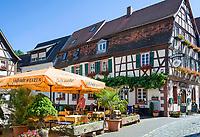 Deutschland, Rheinland-Pfalz, Suedliche Weinstrasse, Annweiler am Trifels: historischer Stadtkern mit Fachwerkhaeusern | Germany, Rhineland-Palatinate, Southern Wine Route, Annweiler am Trifels: historic centre with half-timbered houses